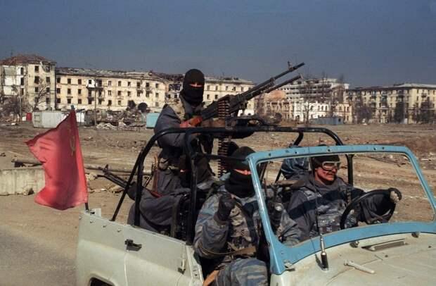 Российские военные в Чечне, май 1995 года.