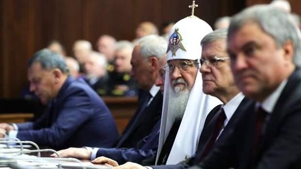 """Патриарх Кирилл предупредил об """"удивительном человеке"""", который загонит нас в """"цифровое рабство"""""""