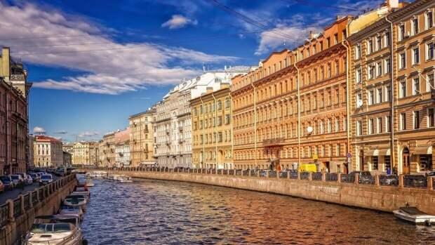 Следователи Петербурга задержали юношей на самокатах из-за избиения прохожего
