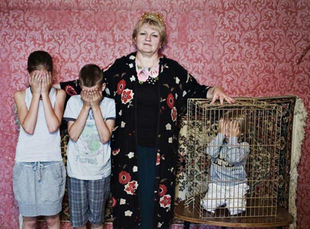 Фотопроект «Оборотная сторона материнской любви» отАнны Радченко