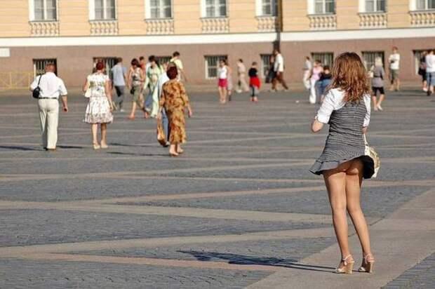 Девушки в ветреную погоду )