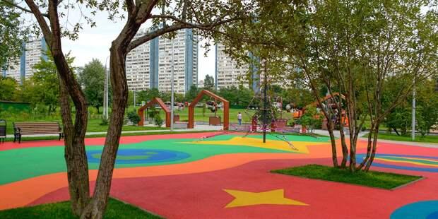 Общественное пространство у метро «Петровский парк» и ряд дворов благоустроят в Аэропорте