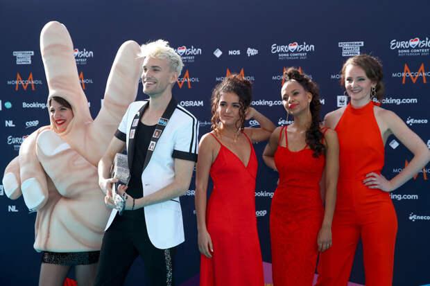 Манижа в кокошнике и Филипп Киркоров в LouisVuitton: церемония открытия «Евровидения-2021»
