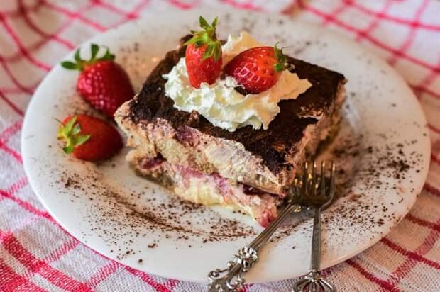 Быстрый торт Лакомка: простой рецепт