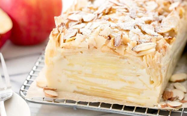 Тесто в духовке превращается в крем: пирог с яблоками и грушами тает во рту