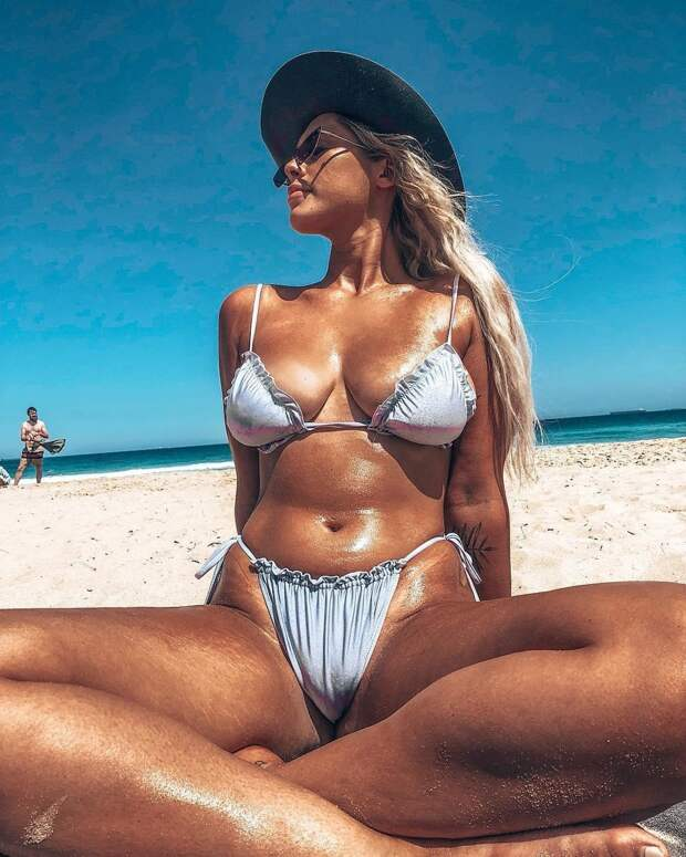 24-летняя австралийка выложила фото с целлюлитом и лишилась работы