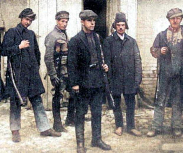 ЛИХИЕ и СЕМЕЙКА. Секретные отряды НКВД на случай захвата Москвы немцами в 1941 (2021)