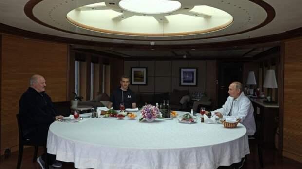 Доктор Сосновский рассказал, зачем Лукашенко взял сына на встречу с Путиным