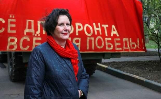 Светлана Разворотнева поздравила с Днем Победы ветерана-долгожительницу