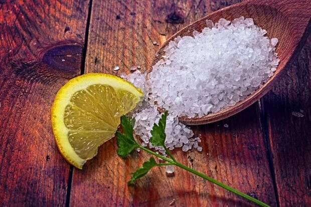 Что произойдёт, если разложить соль с лимоном по углам в доме?
