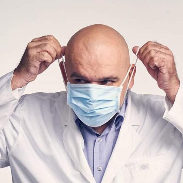 Главврач Коммунарки Денис Проценко: подобные «выходные» будут повторяться, пока мы не  наработаем коллективный иммунитет