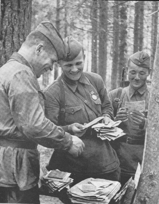 «Треугольники»: почему красноармейцы получали письма на фронте без конвертов
