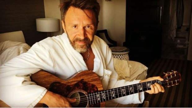 Сергей Шнуров спел песню про покемонов.