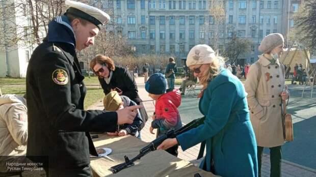 Кулеш под авторские песни: Петербург с размахом отмечает День Победы