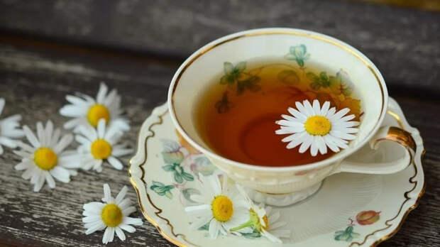 Запивание еды горячим чаем может нанести вред здоровью