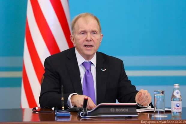 Послу США неизвестно онамерении Казахстана купить американскую вакцину