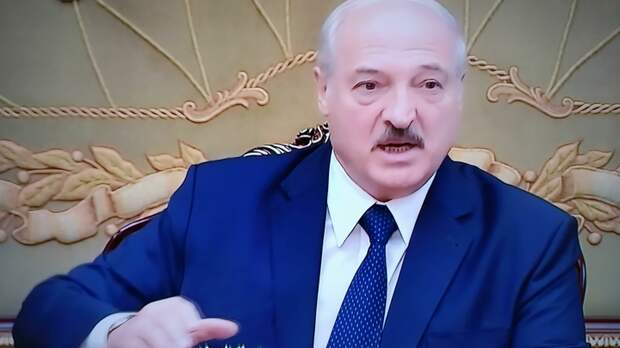 Лукашенко перекрыл границу с Литвой, Польшей и Украиной.