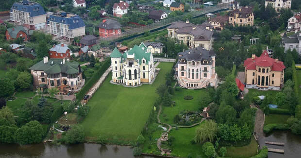 С соседом по пьяни решили купить дом на Рублевке, но, увидев цены, сразу протрезвели барвиха, дома, дорого, недвижимость, рублевка, элита