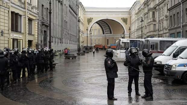 В МВД прокомментировали несогласованные акции в Москве и Петербурге