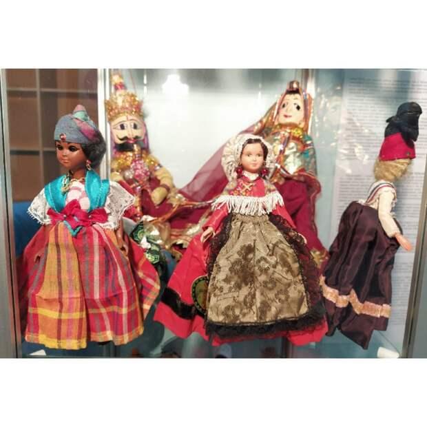 Культурный центр в Северном организовал выставку уникальных кукол