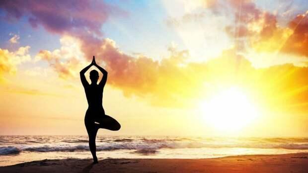 Вот 11 упражнений, которые вернут к жизни даже самый ″застывший″ позвоночник