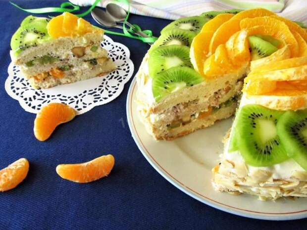 Пирог с киви и миндалём. \ Фото: 1000.menu.