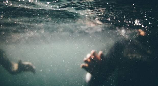 В Феодосии ребенка на надувном круге унесло в море