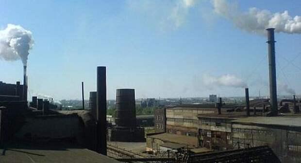 Обвиняемых в смерти пяти рабочих на заводе отпустили в зале суда в Актобе