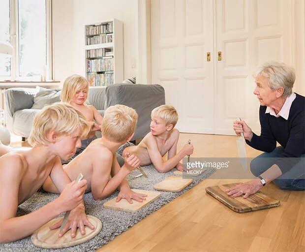 Детей обучают важным жизненным навыкам.