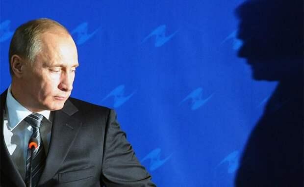 Операция «Преемник»: Путин на Медведева ставку делать больше не будет