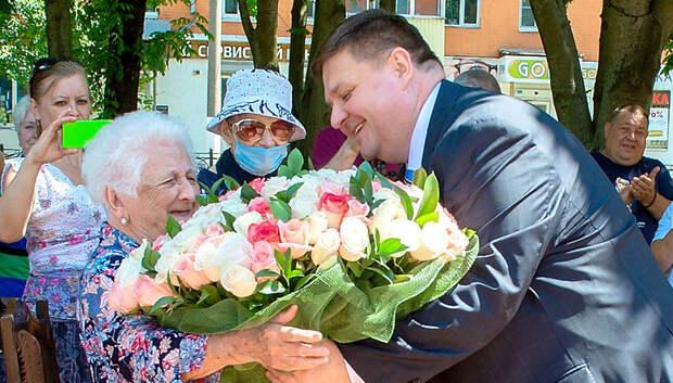 Глава Подольска поздравил жительницу округа со 100‑летием