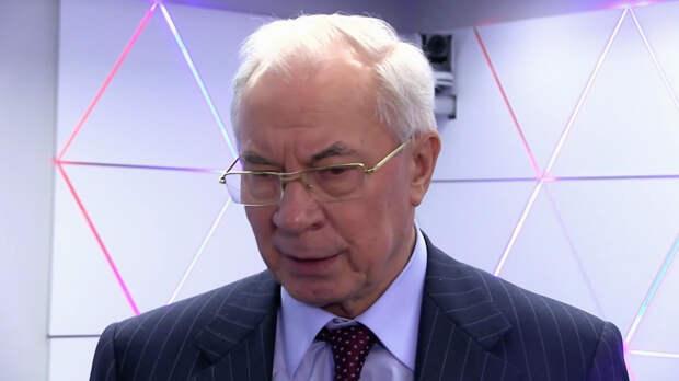 Азаров указал на фантазии в заявлениях Кравчука о Москве и Киеве