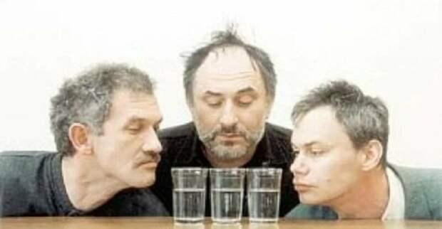 Великий алкогольный почин. Откуда взялся обычай «соображать на троих»
