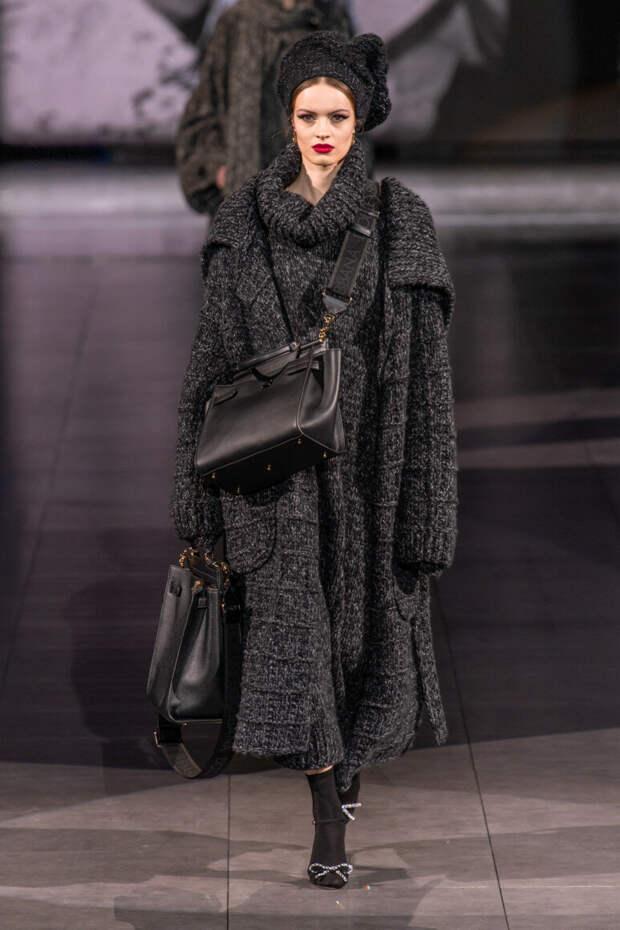 Вязаная одежда становится модным трендом: что надеть, чтобы выглядеть стильно