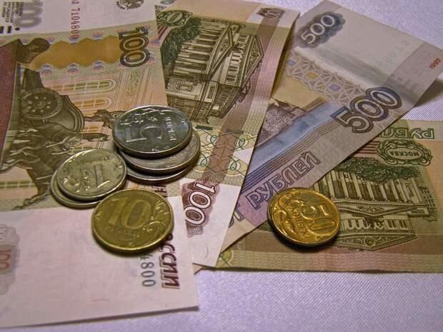 Россияне погрязли в банковских долгах
