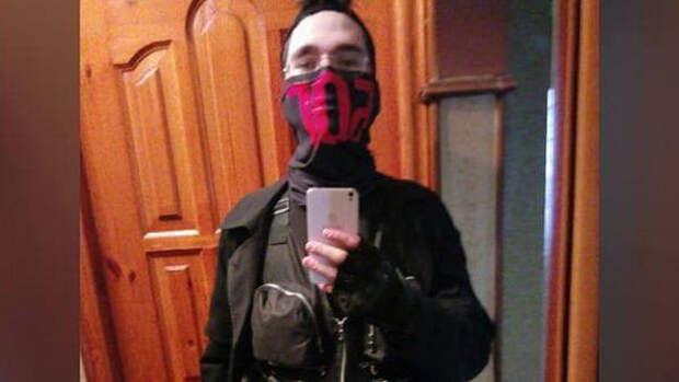 Опубликованы фото обысков в квартире напавшего на казанскую школу