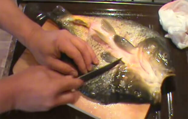 Жарим рыбу, чтобы не было мелких костей