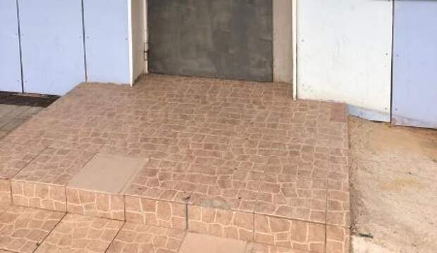 Ремонт тротуара на улице Мневники усложнил жизнь инвалидам