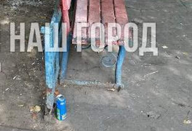 На Самаркандском бульваре похищенную урну вернули на место