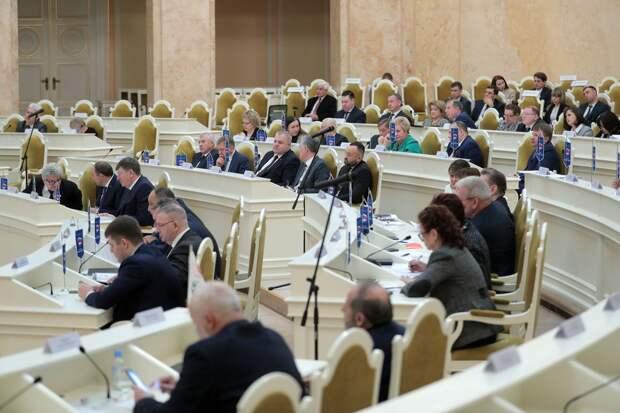 Депутаты-коррупционеры из ЗакСа против упразднения «депутатской поправки»
