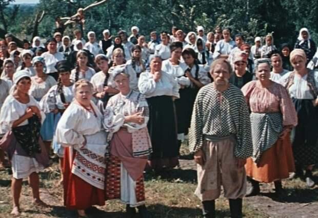 В массовках задействовали почти всех местных жителей | Фото: kinopoisk.ru
