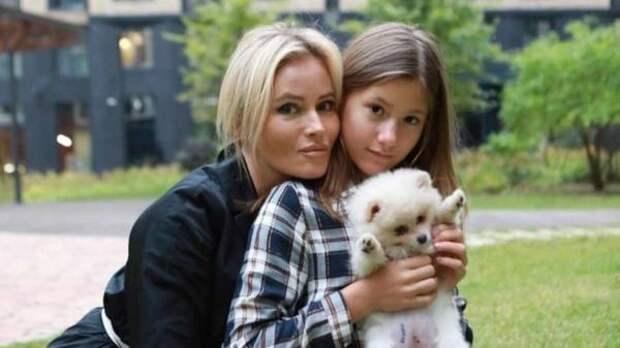 Дочь Даны Борисовой рассказала, почему себя калечит