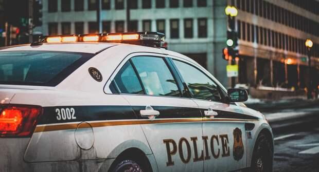 Полицейские Лос-Анджелеса дарили друг другу валентинки с Флойдом