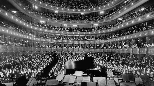 Старейший оперный театр Милана вновь открыл двери для зрителей после карантина