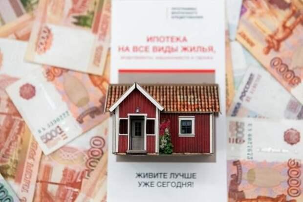 Российские банки в марте увеличили выдачу ипотеки на 11%