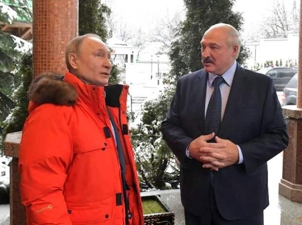 """Лукашенко описал отношения с Путиным фразой """"Ничего не искрит"""""""