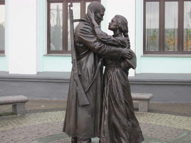 Картинки по запросу Памятник «Прощание славянки» москва памятник