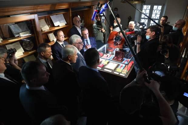 Выставка, посвященная 800-летию князя Александра Невского, открылась в штаб-квартире РВИО