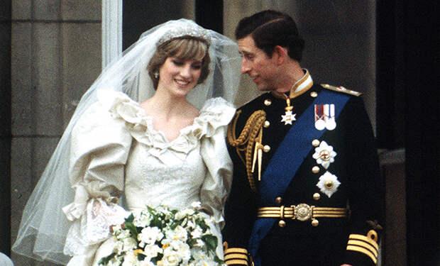 К 40-летию свадьбы принца Чарльза и принцессы Дианы: звездный роман в фотографиях
