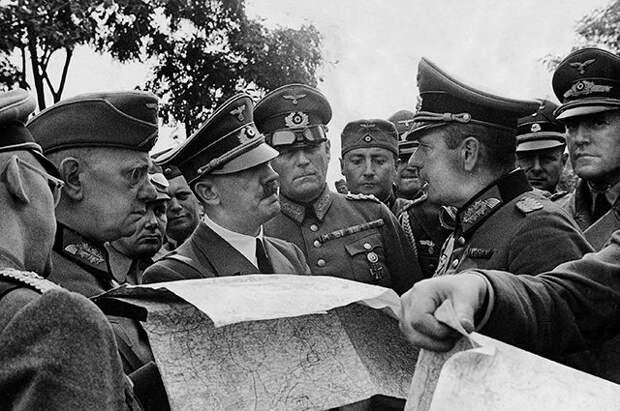 «Сровнять с землей и утопить»: какой план был у Гитлера после штурма Москвы